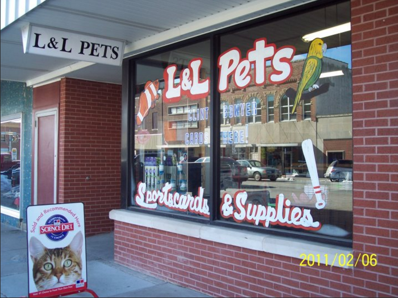 This is the front window of L&L Pets. Its very colorful! Source: https://www.facebook.com/LLPetsEmporiaKS/photos/a.156648364399608.36002.108901589174286/203377083060069/?type=3&theater