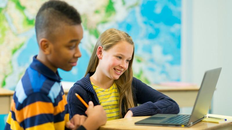 School+kids+in+classroom.