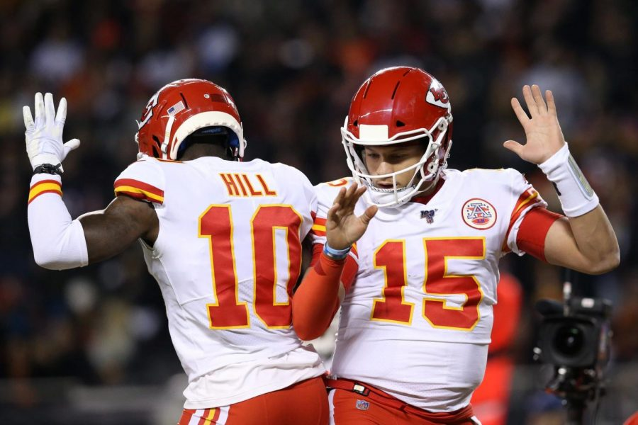 This+is+Tyreek+Hill+and+Patrick+Mahomes+doing+a+celebration+dance.